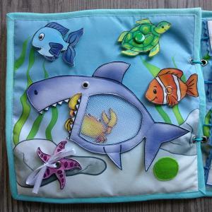 Cápás tengeri csendeskönyv