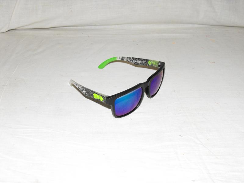 Ken block napszemüveg fekete zöld repedezett