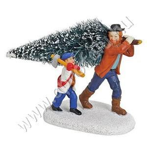 Apa vállán viszi a fenyőfát,mellett fia fejszével 7 cm