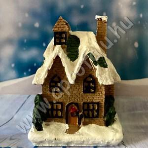 Karácsonyi falu házikó KÖZEPES 3