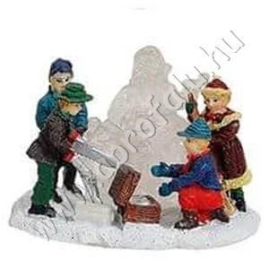 Gyerekek jégszobrot készítenek (mikulás) 6 cm