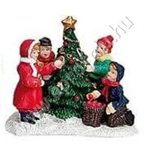 Gyerekek karácsonyfát díszítenek 7 cm
