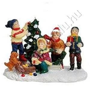 Gyerekek karácsonyfával és kutyussal 6 cm
