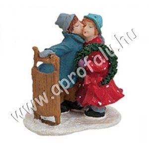 Szánkózó csókolózó pár 5 cm