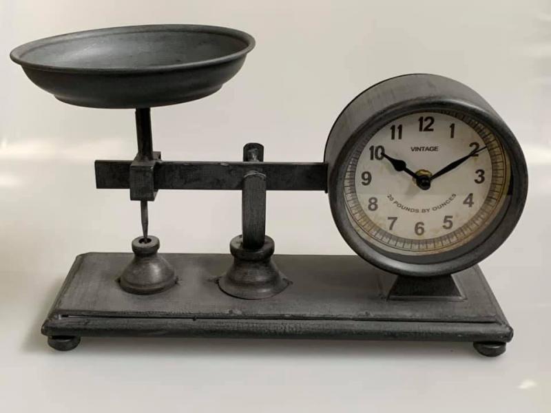 Asztali retro mérleg formájú óra