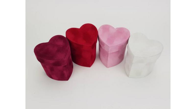 Bársony borítású kicsi papírdoboz szív több színben