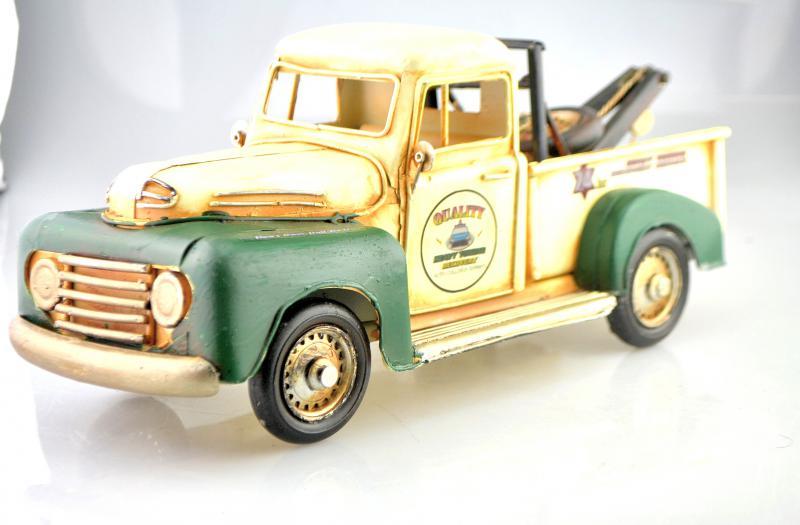 Fém platós autó modell, makett