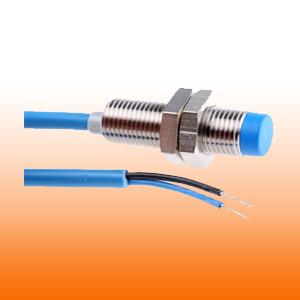 Érzékelő kapcsolók induktív, kapacitív