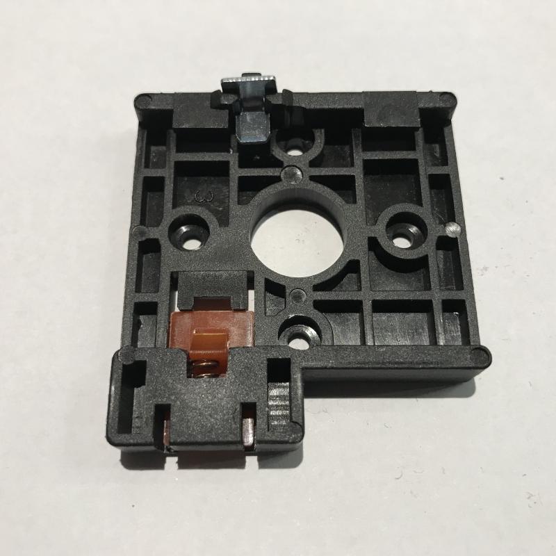 Adapter DIN sínre szereléshez forgókapcsolóhoz 20 és 25A
