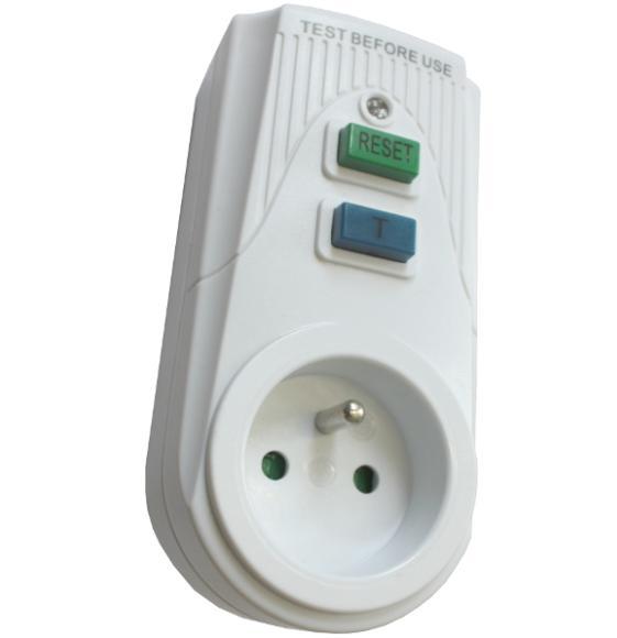 Áram-védőkapcsolós adapter, csapos védőérintkezővel