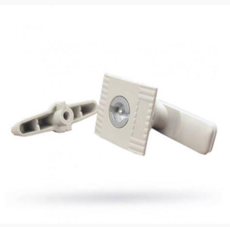 Fémszekrény műanyag zár+kulcs