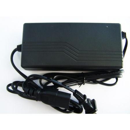 RT05-12100 12V 10A akkumulátor töltő