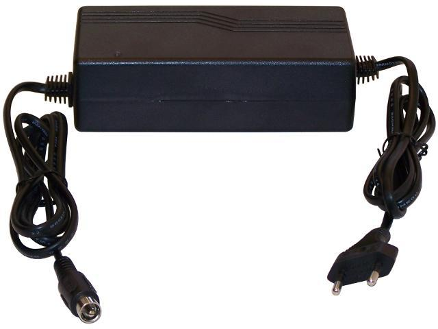 RT05-3630 36V 3A akkumulátor töltő Jack