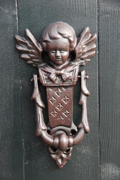 Ajtókopogtató angyalkás