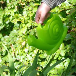 Zöld csiga locsolókanna