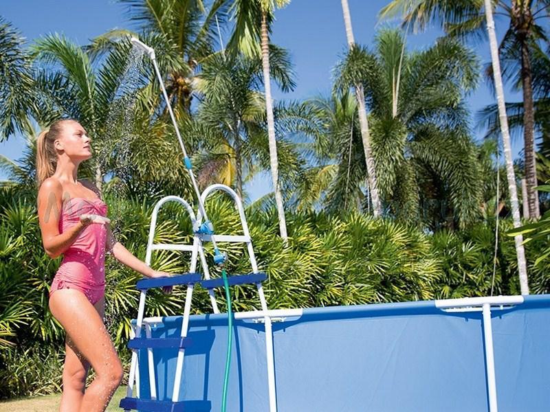 Zuhany, kerti slaghoz és medence létrához csatlakoztatható