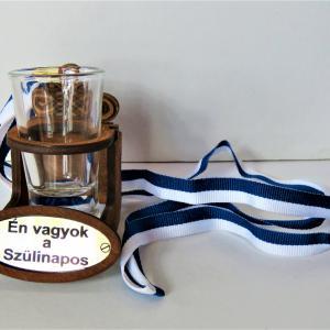 nyakba akasztható stampós pohár