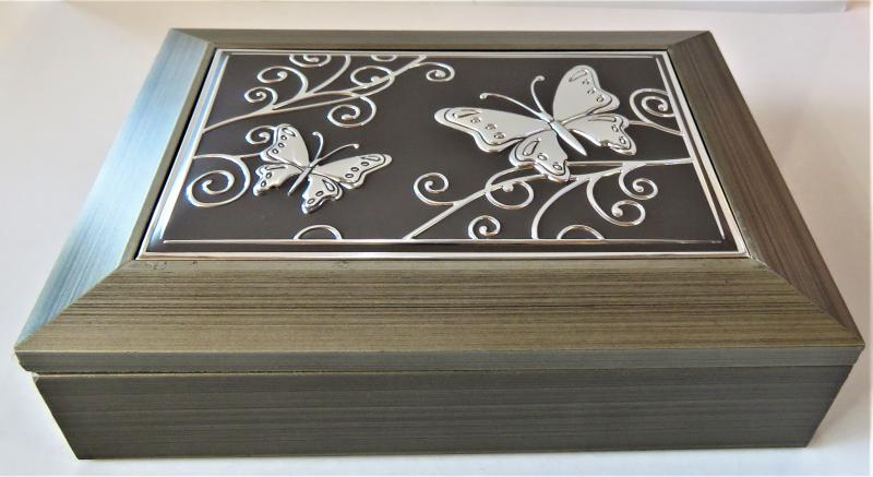 ékszertartó doboz pillangós