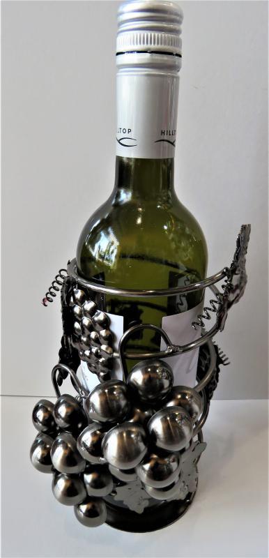fém bortartó szőlőfürttel