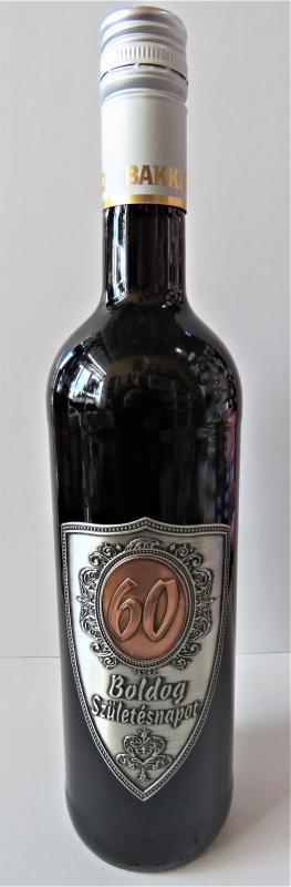 fém címkés bor 60. születésnapra