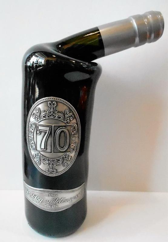 fémcímkés bor 70. születésnapra