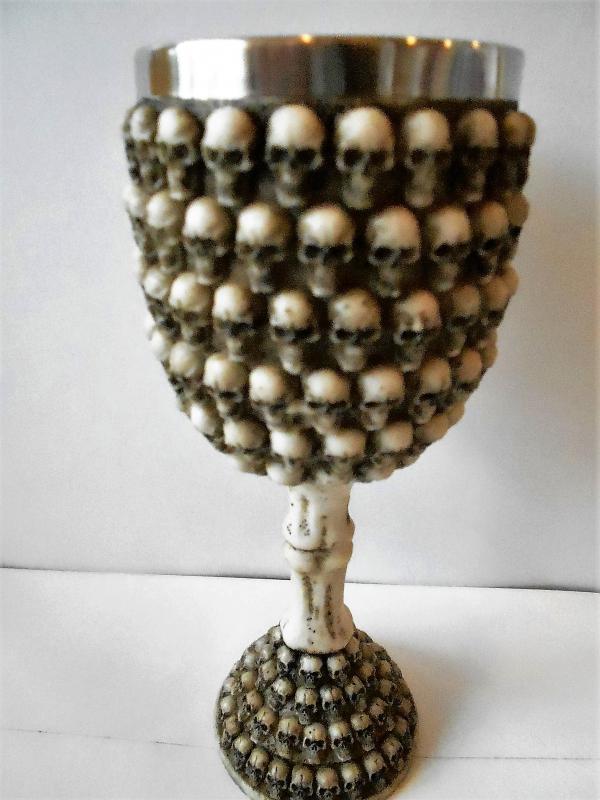 koponya serleg kicsi koponyákkal