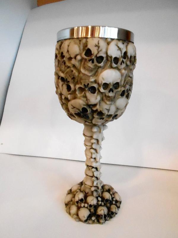 koponya serleg koponyákkal
