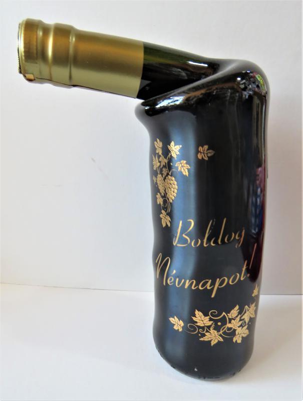 különleges palackozású bor boldog nénapot