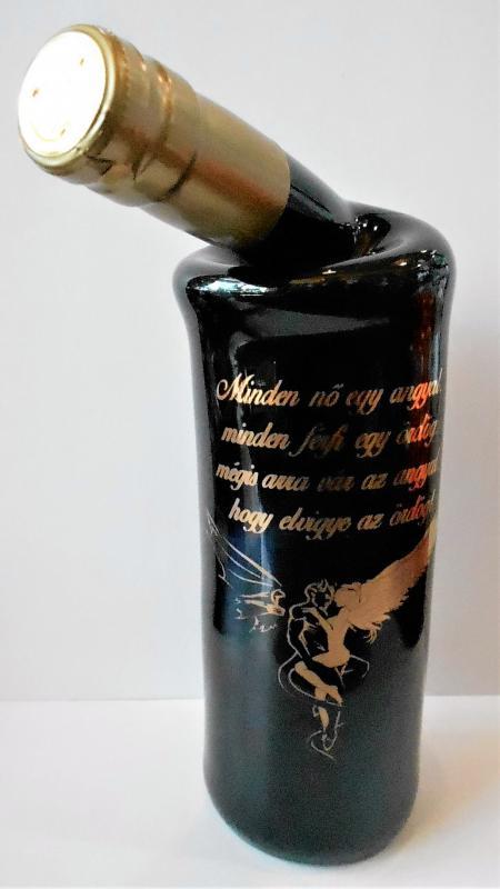 különleges palackozású bor minden nő