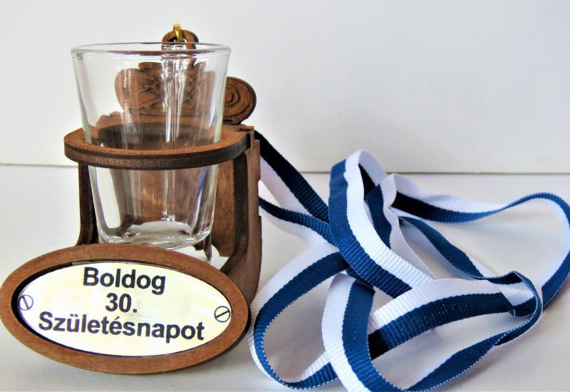 nyakba akasztható stampós pohár  boldog 30.születésnapot