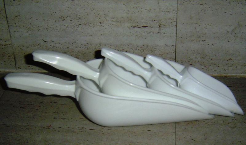 Műanyag adagoló lapát 5x12 / 19 cm
