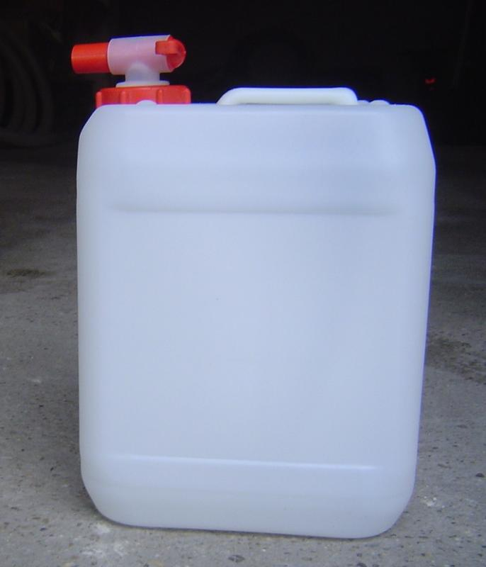 Műanyag kanna 10 l-es nagyszájú csapos kupakkal