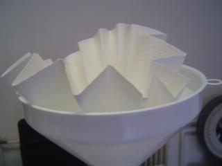 Redős Szűrőpapír tölcsérbe finom szűréshez 1 Redős szűrőpapír