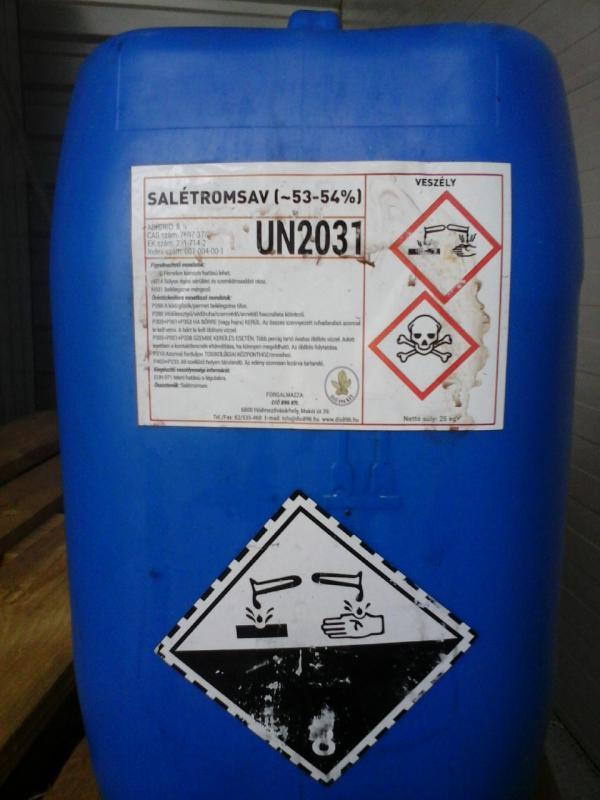 Salétromsav 53% -os 25 kg-os kannában ár/kg