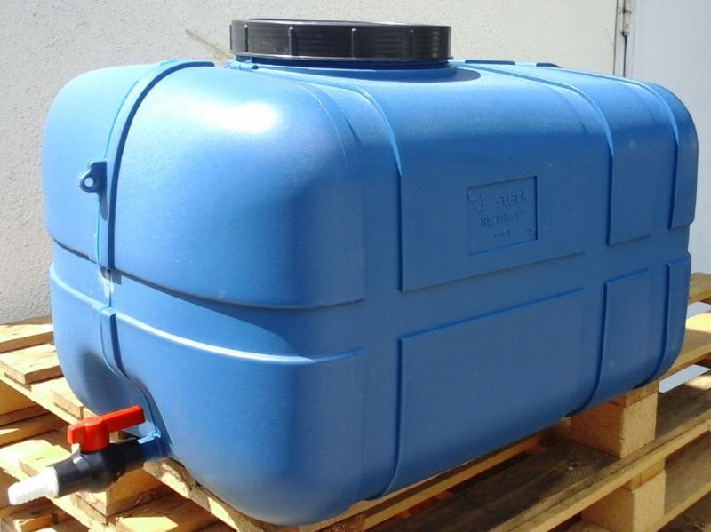 Tartály műanyag hordó 160 liter szögletes csappal, tömlővéggel.