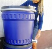 Műanyag hordó 120l-es, Fedeles dézsa fémcsatos