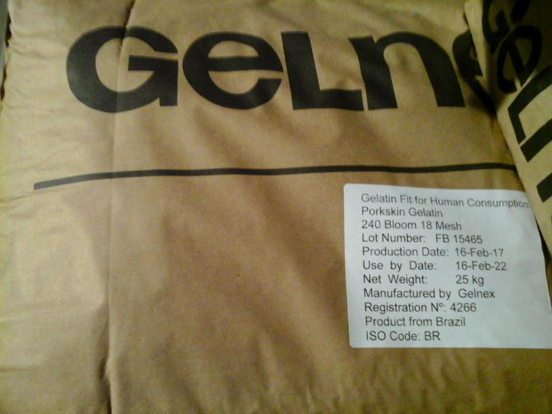 Zselatin nagy tisztaságú étkezési 240 bloom 25 kg-os zsákban ömlesztve ár/1kg
