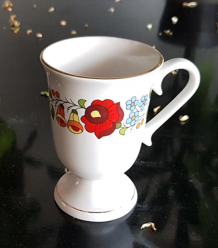 Kávé kappuccino csésze