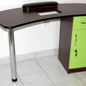 Műkörmös asztal (2)