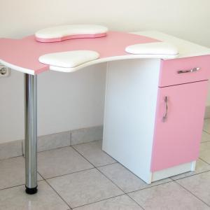 Műkörmös asztal (5)