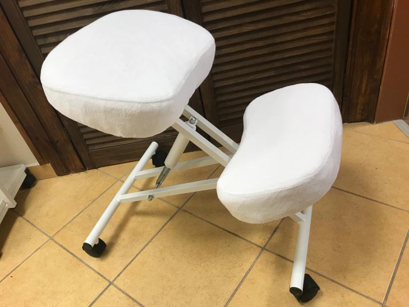 Huzat térdeplő székre