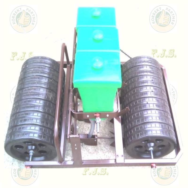 Vetőgép K-2.3-UNI kanalas kétsoros kézi szemenkénti sorkerekes 8-25 cm állítható sortáv