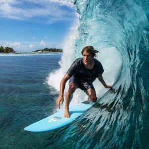Hullámszörf / Surf