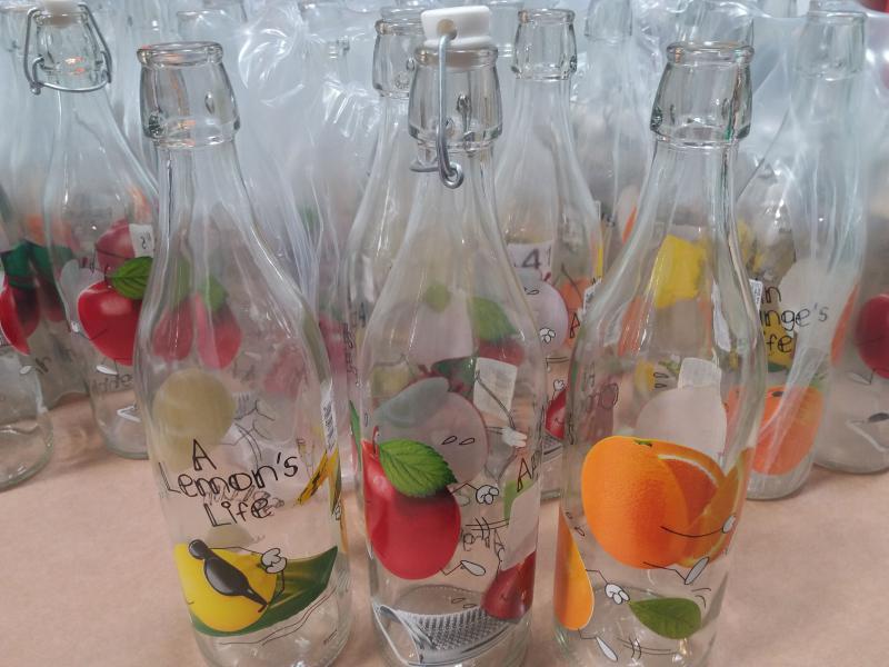 Cerve Lory csatos üveg, gyümölcsös, 1 liter, 165025