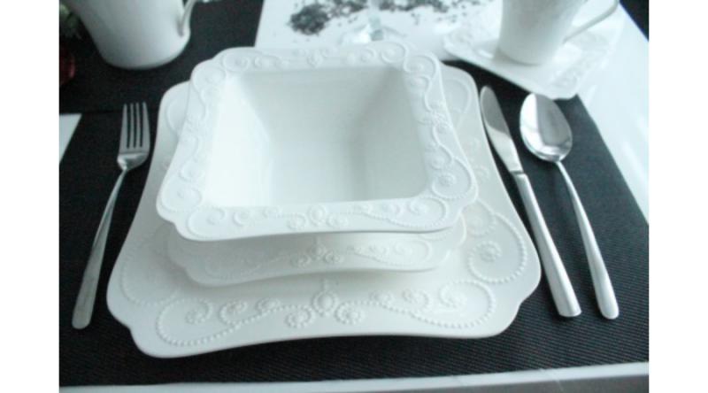 D.G.00627 Porcelán étkészlet 18db-os, 6 személyes, 17cm/25,2cm / 17,7cm , Ing