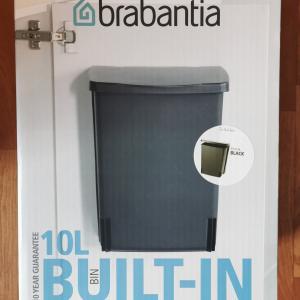 BRABANTIA BUILT IN BIN ajtóra szerelhető szemetes,10L, BLACK, 395246, 180010
