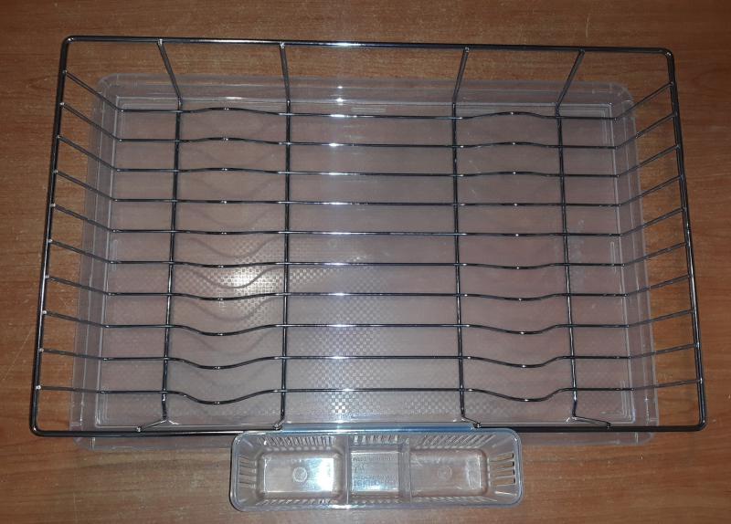 Krómozott edényszárító műanyag tálcával, evőeszközcsepegtetővel, 32X47X10 cm, 291001