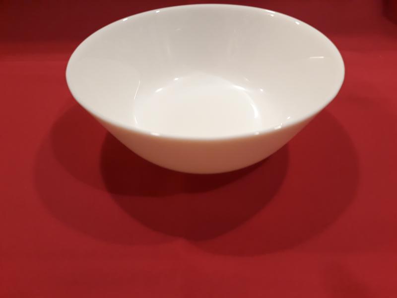 MAIA fehér üveg salátás tálka, 14,8 cm