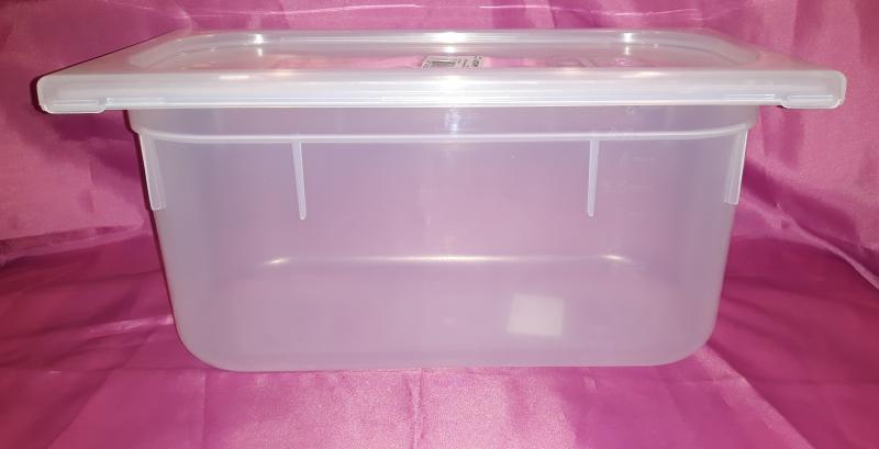 Paderno GN 1/3 műanyag élelmiszer tároló,  5 liter+fedő, 32,5X18X15 cm, 197127