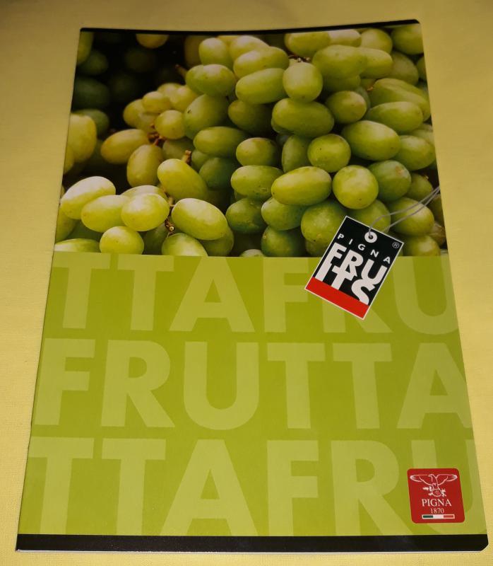 Pigna Fruits nagyalakú sima füzet, 32 lapos, szőlőmintás